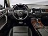 500x_vw-2011-touareghybrid-interior1-l